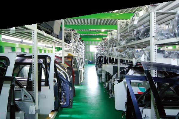 吉川金属商事 自動車リユースパーツ販売 写真